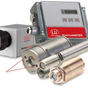 Handheld pyrometer